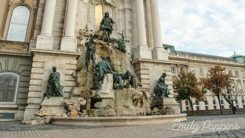 budapest-castillo-buda-exterior-fuente