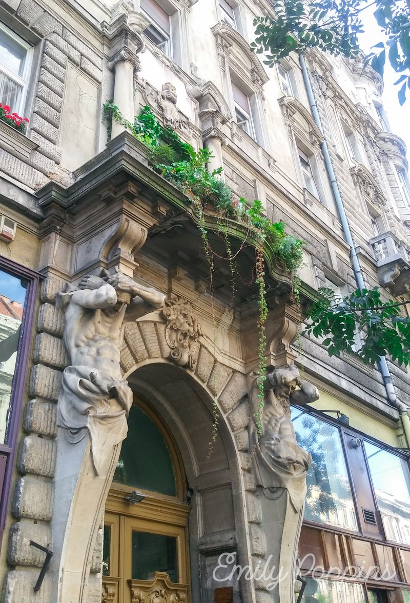 cariatides-avenida-andrassy-budapest
