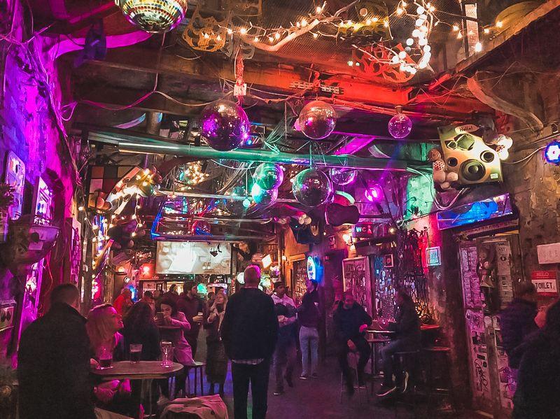 ruin-bar-budapest-szimpla-kert